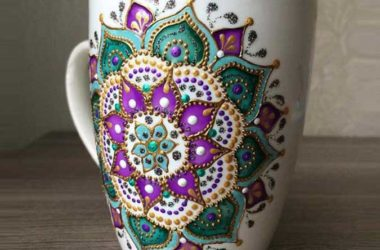 Dots Art on ceramics with acrylic paints