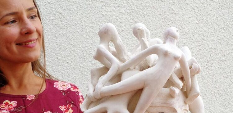 Elisavetasivas figure sculptures