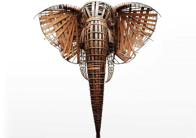 Artist Turns Metal Blades and Rods Into Amazing Wildlife Sculptures