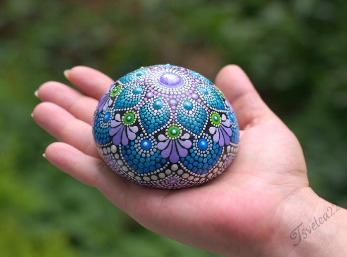Hand-painted beauiful dot mandala designs on stones