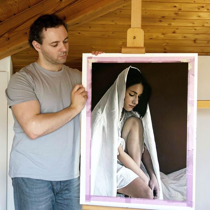 Italian Artist creates perfect hyperrealistic art