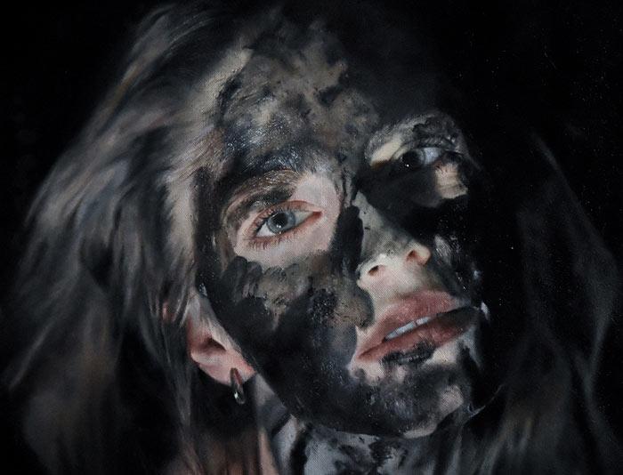 Artist Julia Kempa creates hyper realistic paintings