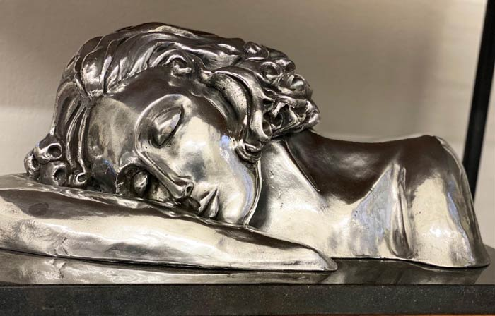 Stunning Sculptures of the woman portrait