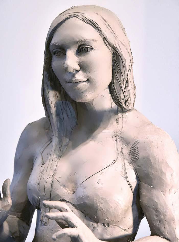 Italian Sculptor creates Stunning clay sculptures