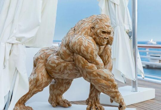 beautiful gorilla sculpture by wildlife artist Olivier Bertrand