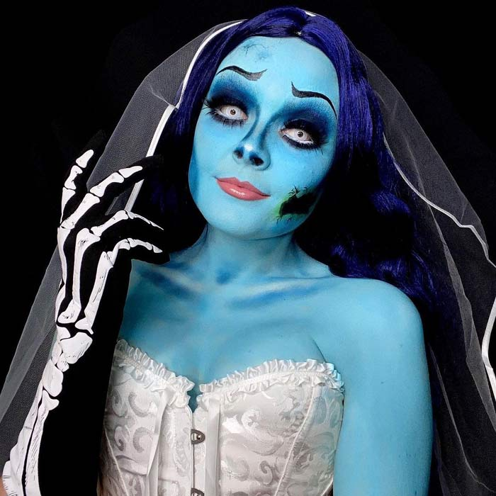 Makeup artist transforms herself into corpse bride