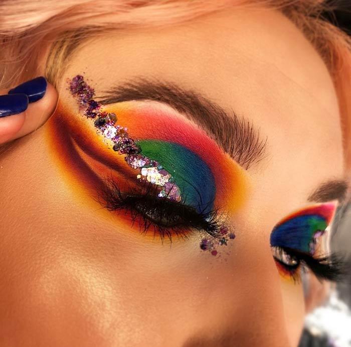 Beautiful eye makeup by makeup artist Hev