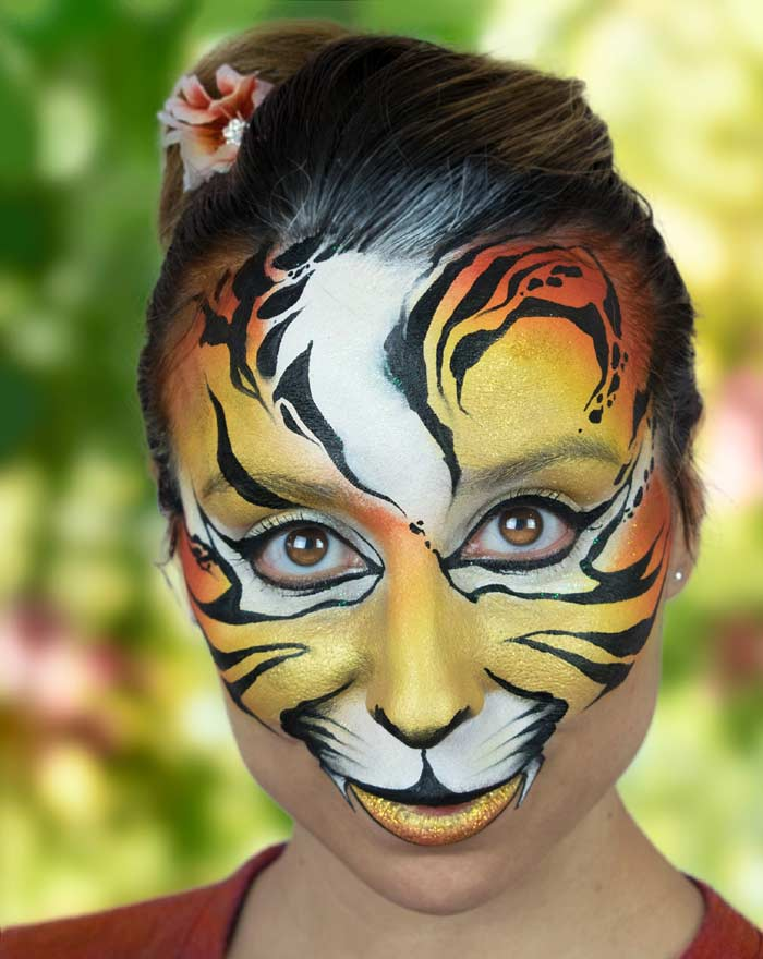 Cute face tiger paint by Marta Ortega