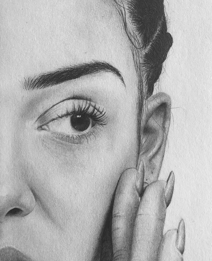 Pencil draw portrait by Lotte Philip