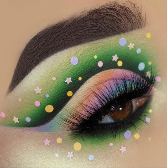 trendy eye makeup looks by Maggie Jones