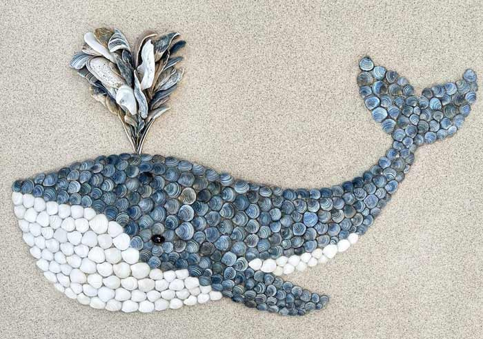 Create a Gentle Giant Fish in the sand with seashells