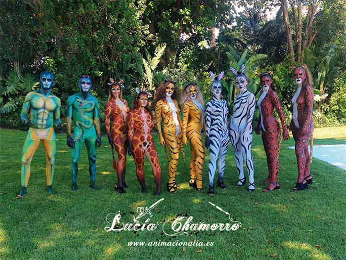 full body painting show Lucia Chamorro